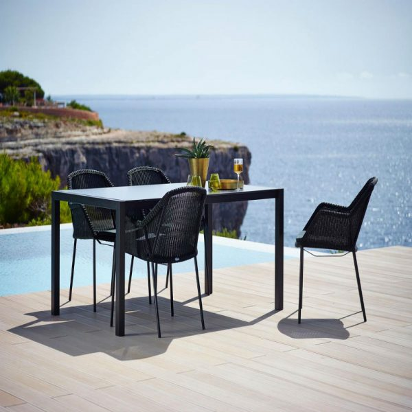 Breeze_diningchair_stackable_black_Share_AG_ceramic_grey_160x100cm_43a_2-1200px